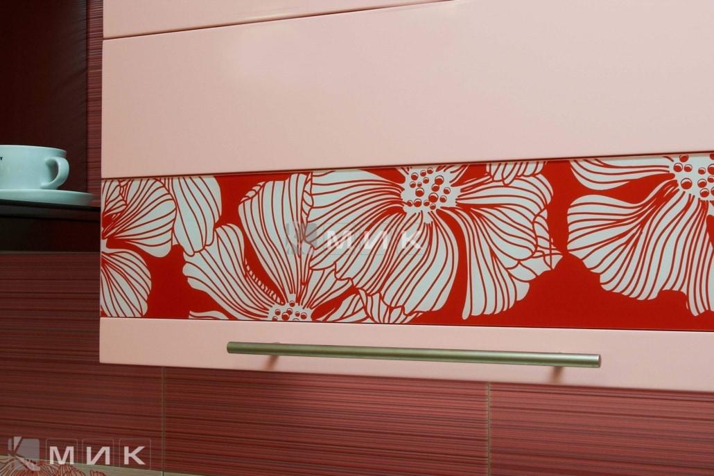 кухня-в-розовом-цвете-от-MIK-2110