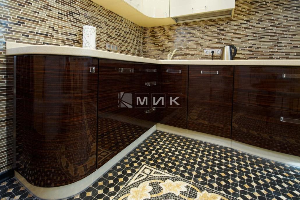 модная-кухня-из-шпона-2118