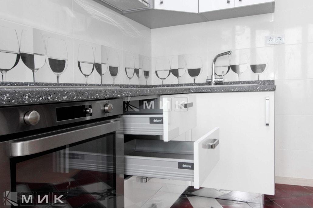 надёжная-фурнитура-для-кухни-2124