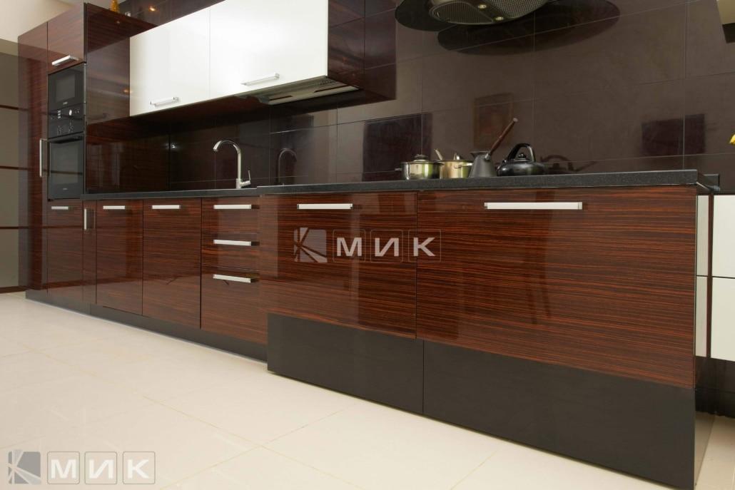 кухня-из-коричневого-шпона-2162