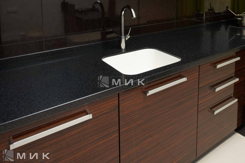 кухня-из-коричневого-шпона-2163