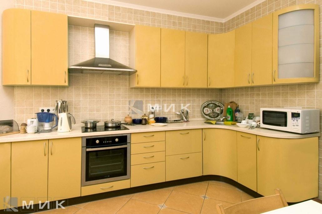 кухня-персикового-цвета-2167