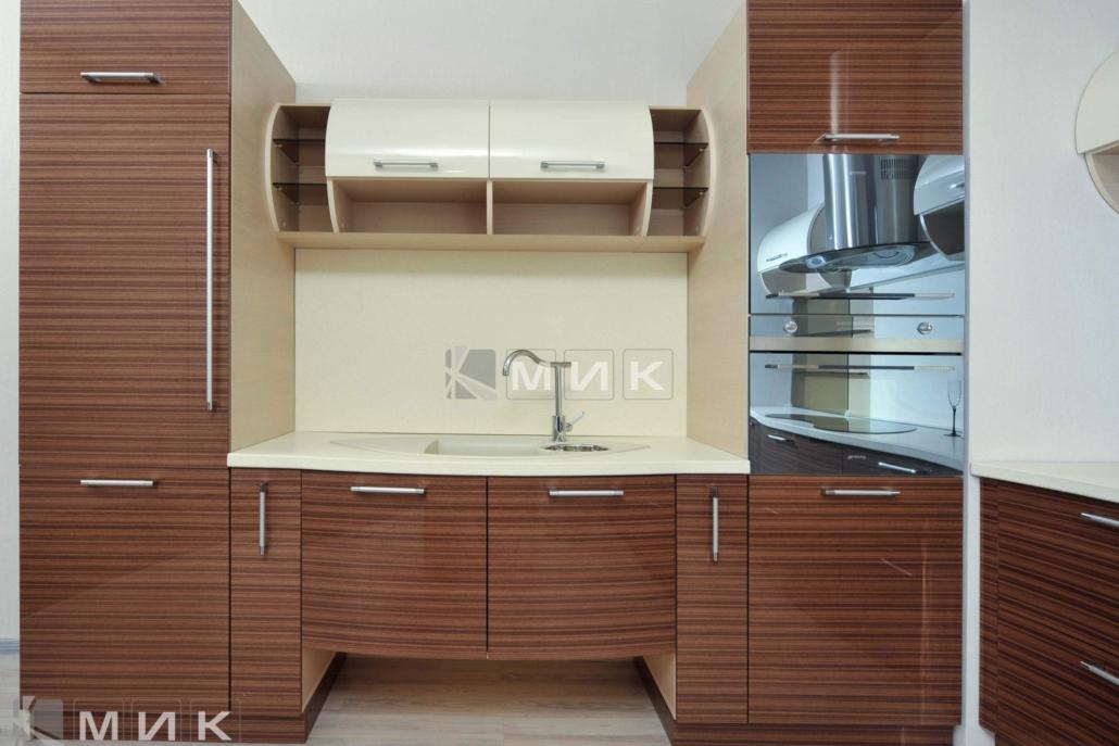 кухня-из-полосатого-шпона-2180