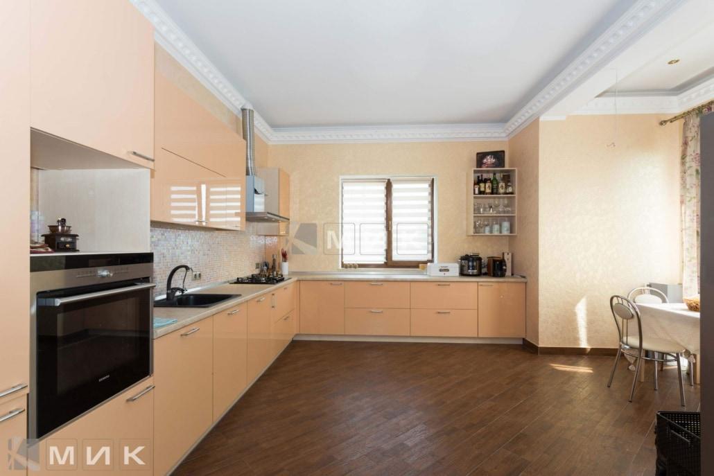 бежевая-кухня-в-стиле-модерн-2202