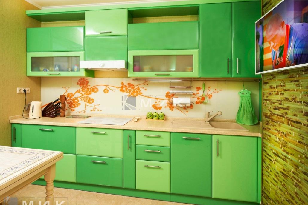 кухня-в-зелёных-тонах-2232