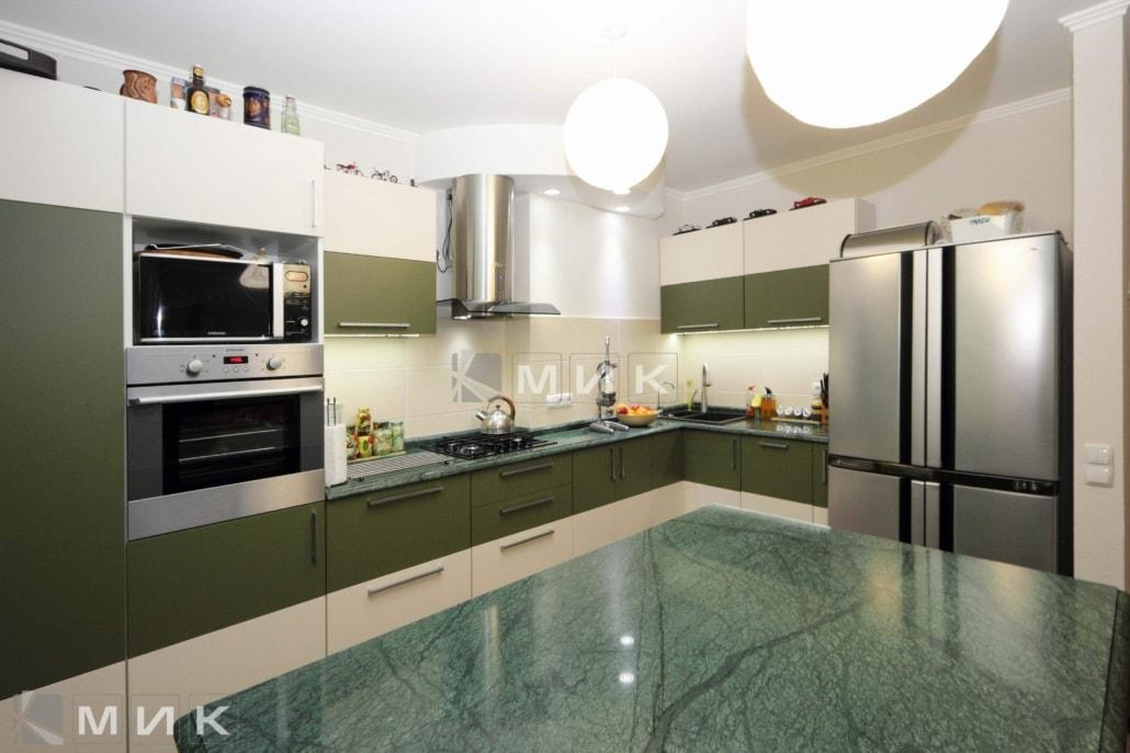 угловая-кухня-цвета-хаки-5014