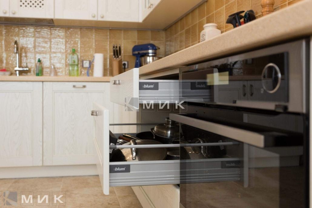 качественная-фурнитура-для-кухни-1020