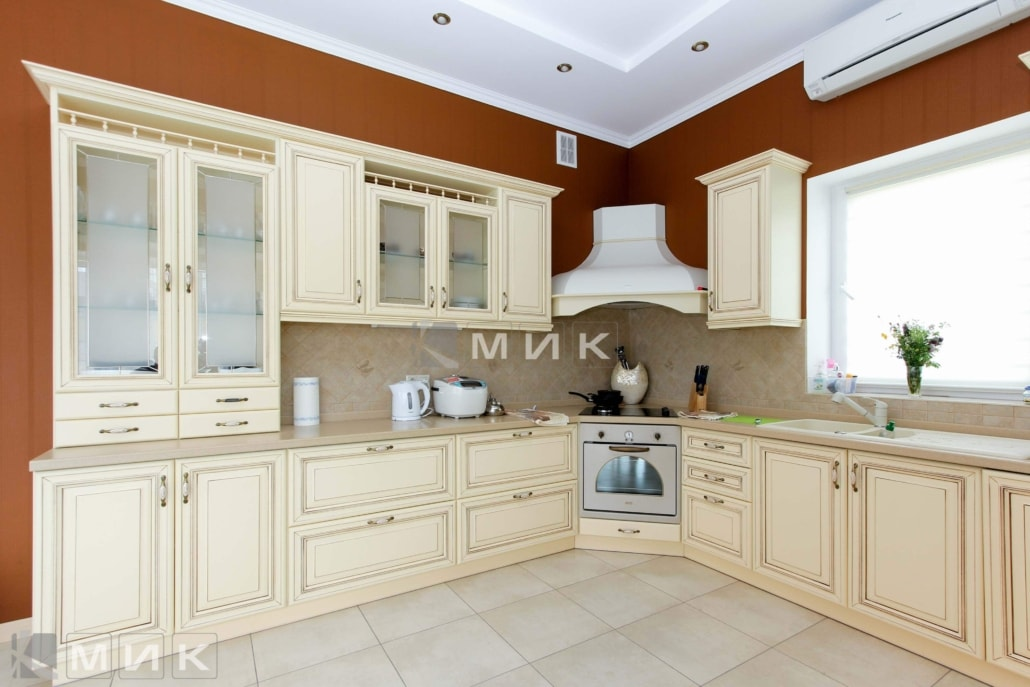 кухонная-мебель-классика-1041
