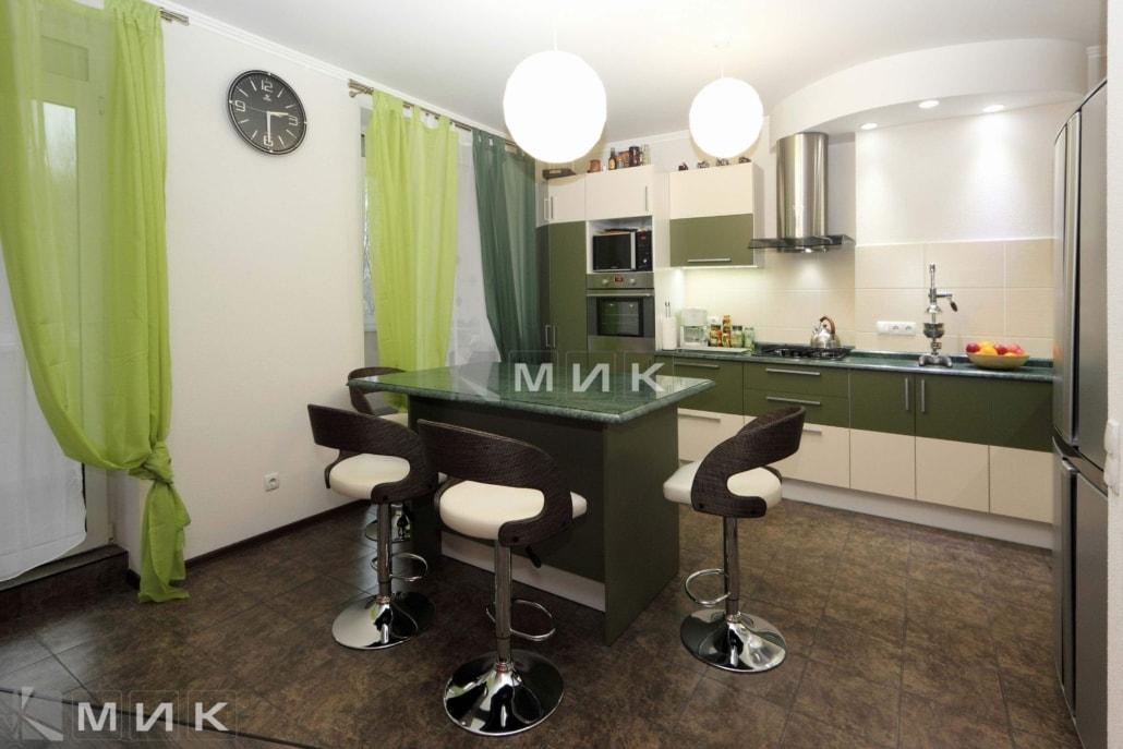 кухня-в-зелёных-тонах-на-заказ-от-MIK-1073