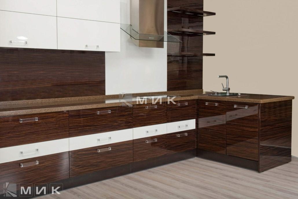 шпонированая-кухня-в-стиле-хай-тек-1172