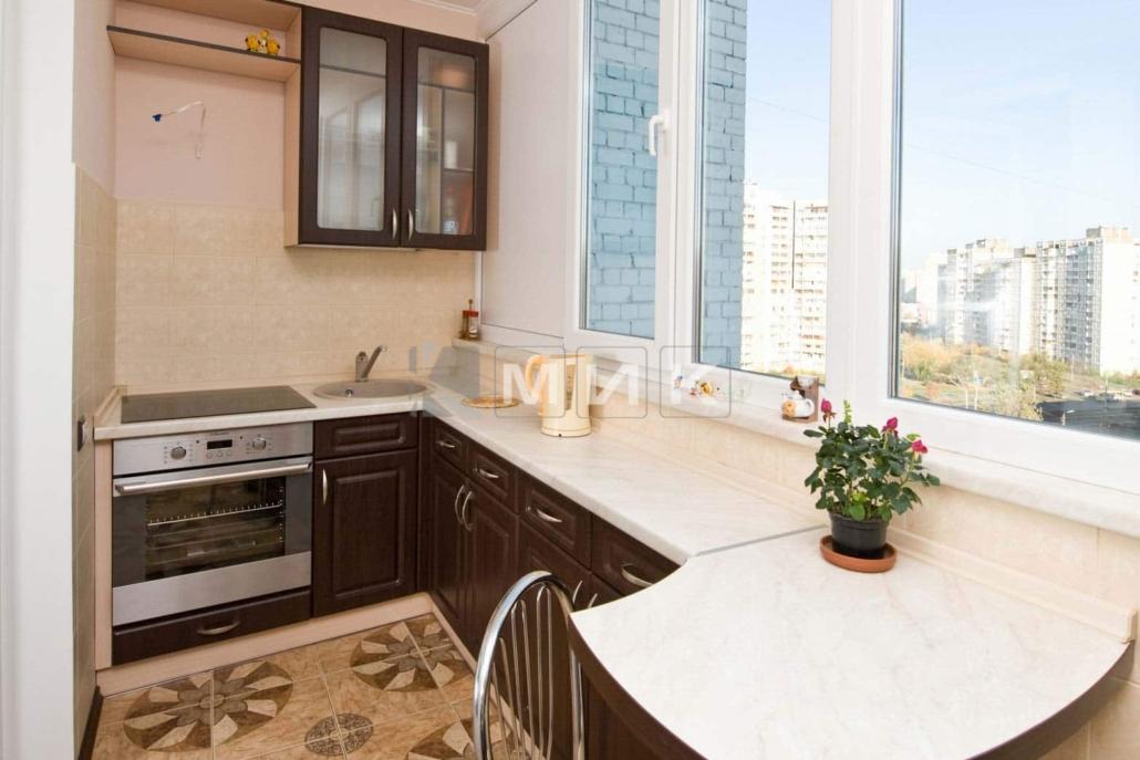 кухня-под-заказ-на-балконе-1173