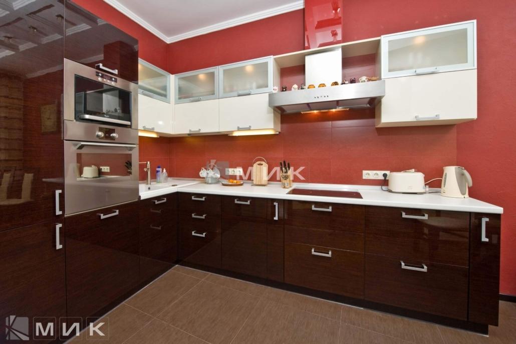 кухня-с-глянцевым-шпоном-от-MIK-1177
