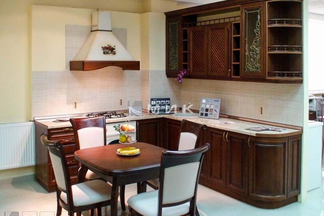 компактная-кухня-из-дерева-1191