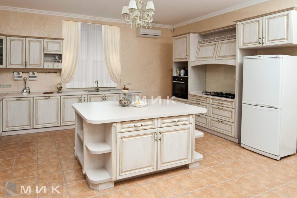 просторная-классическая-кухня-на-заказ-1202