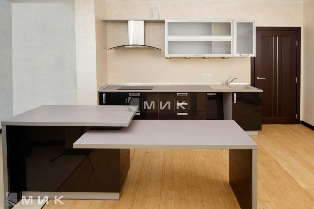 кухня-с-крашеными-фасадами-1203