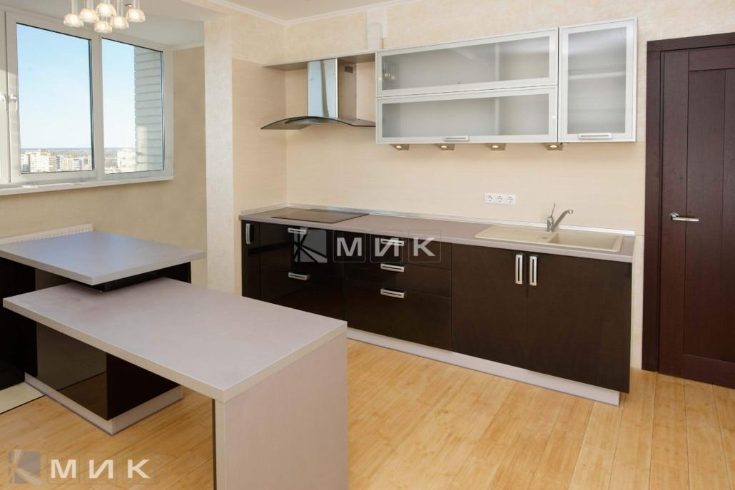 кухня-с-крашеными-фасадами-от-MIK-1204
