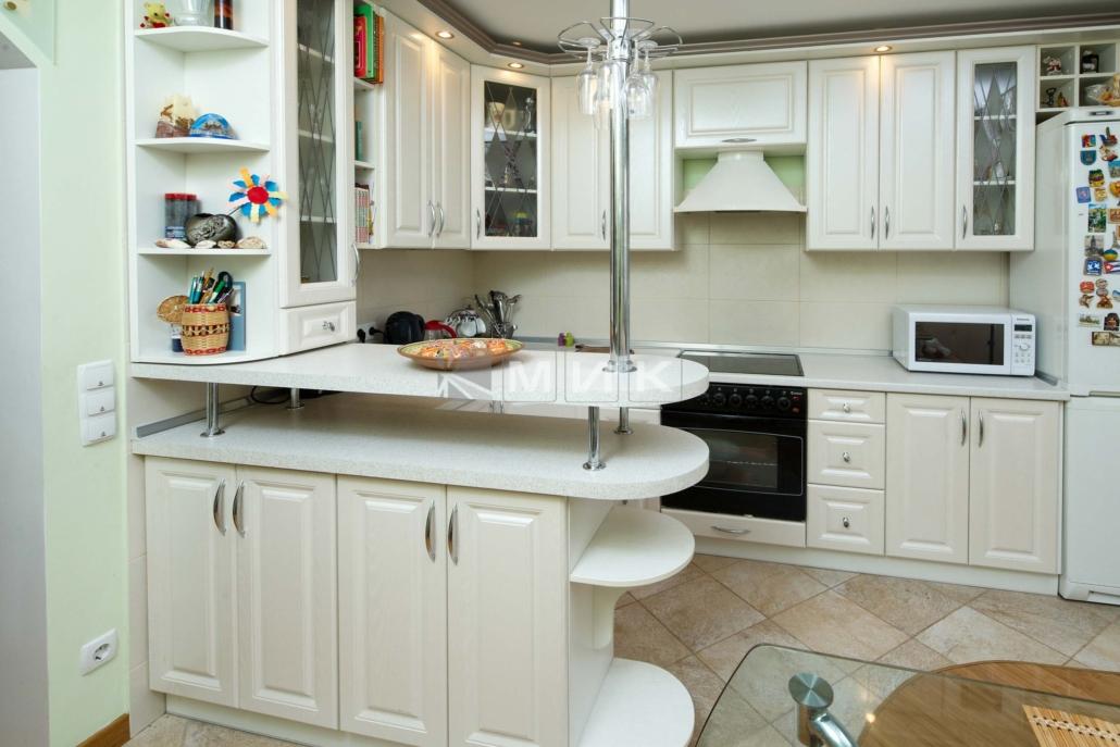 белая-кухня-для-квартиры-1206
