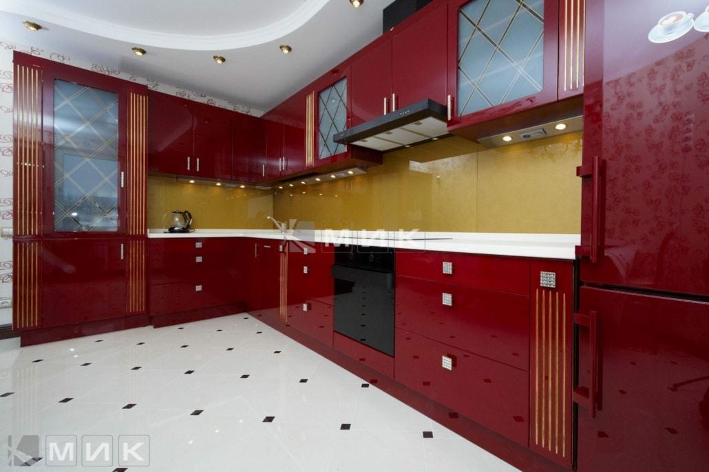 красная-кухня-с-золотой-тонировкой-на-заказ-1242