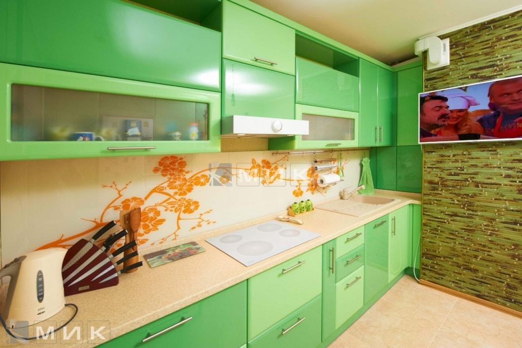 кухня-в-зелёных-тонах-на-заказ-от-MIK-1248