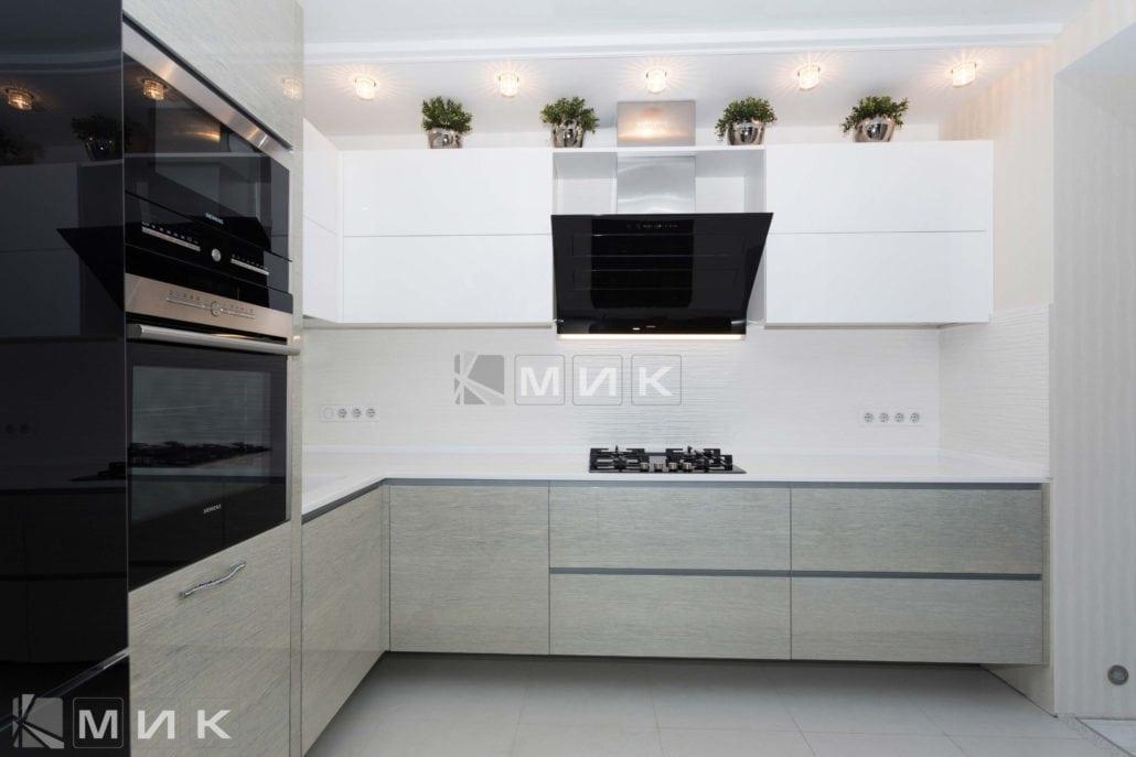 белая-кухня-с-дизайном-от-MIK-8005