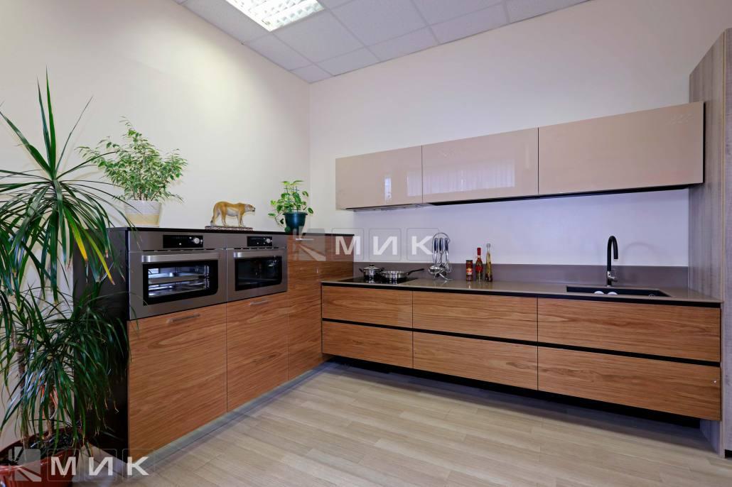 фото-кухни-с-дизайном-от-MIK-8006