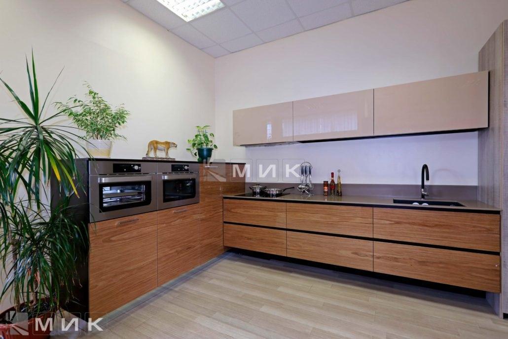 кухни-шпонированная-с-дизайном-от-MIK-8006