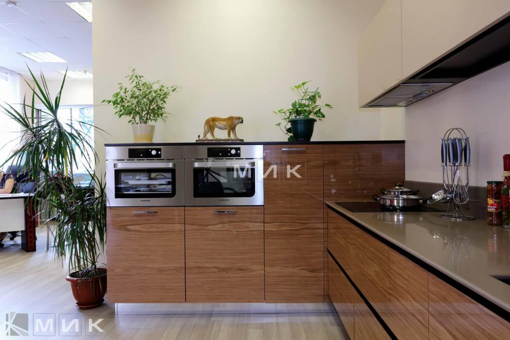 фото-кухни-с-дизайном-от-MIK-8007
