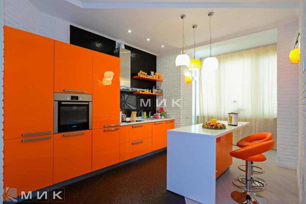 фото-кухни-с-дизайном-от-MIK-в-оранжевом-цвете-8016