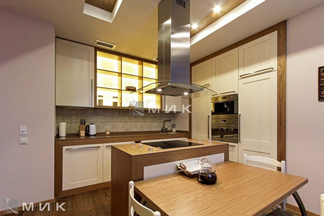 фото-кухни-с-дизайном-от-MIK-шпонированая-8020