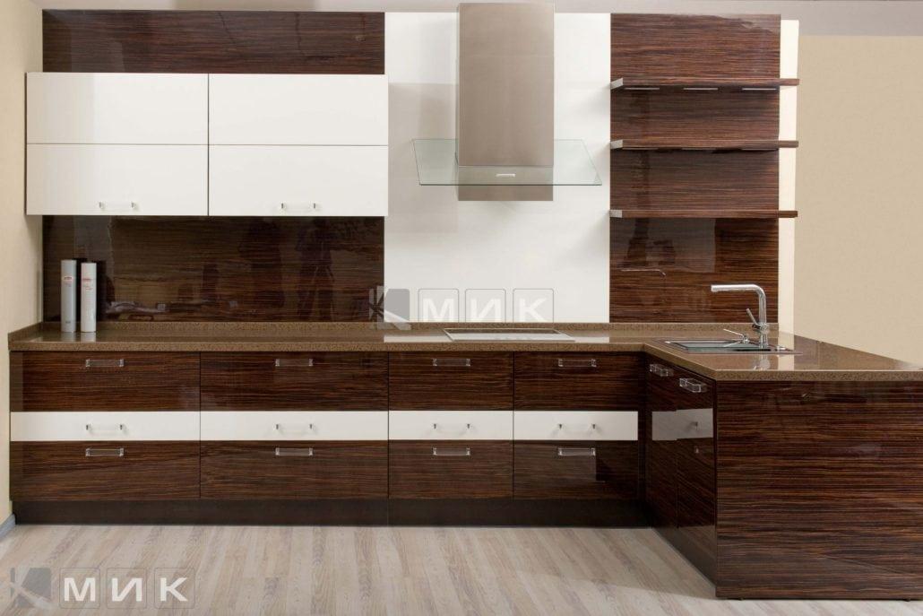 шпонированая-темная-кухня-с-дизайном-от-MIK-8036