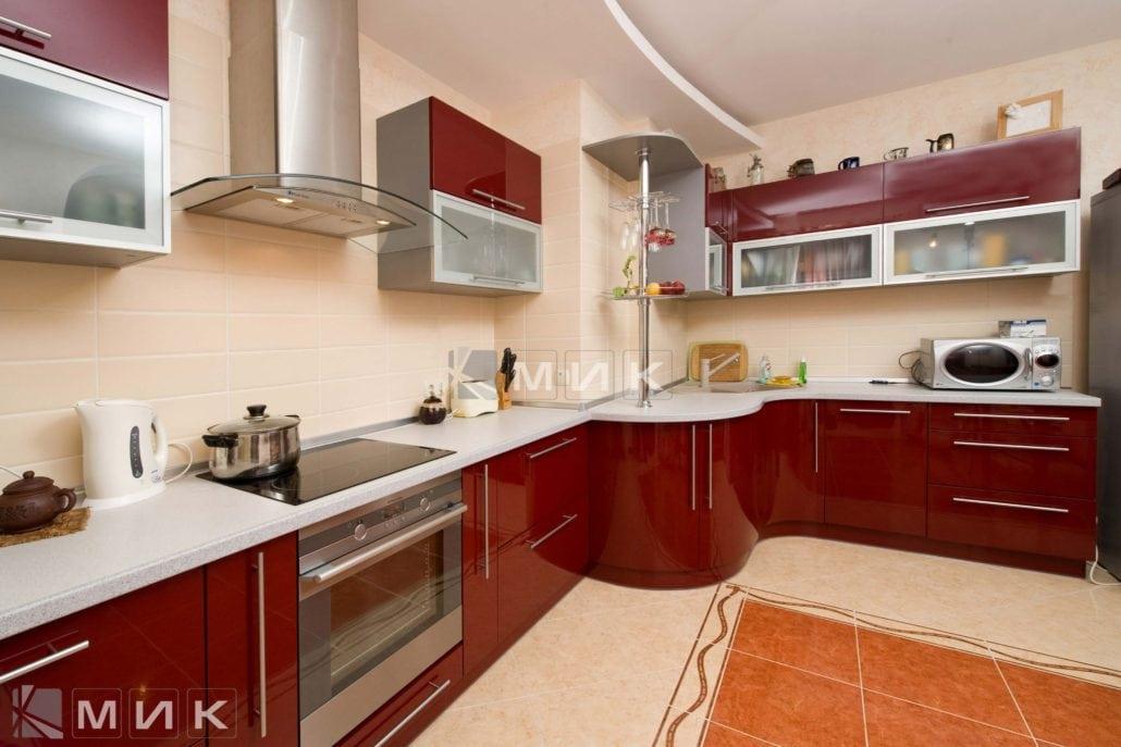 фото-кухни-с-дизайном-от-MIK-цвет-красное-вино-8037