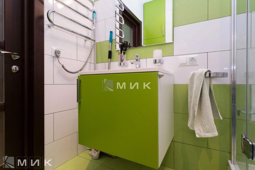 зеленая-мебель-для-ванной-21
