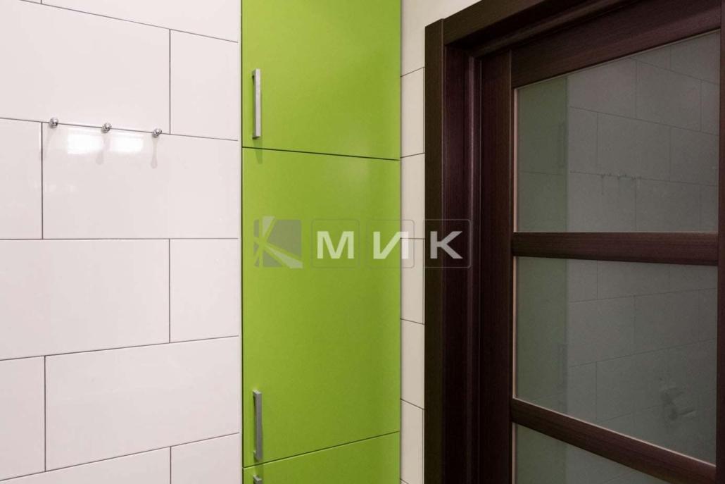 зеленая-мебель-для-ванной-пенал-23