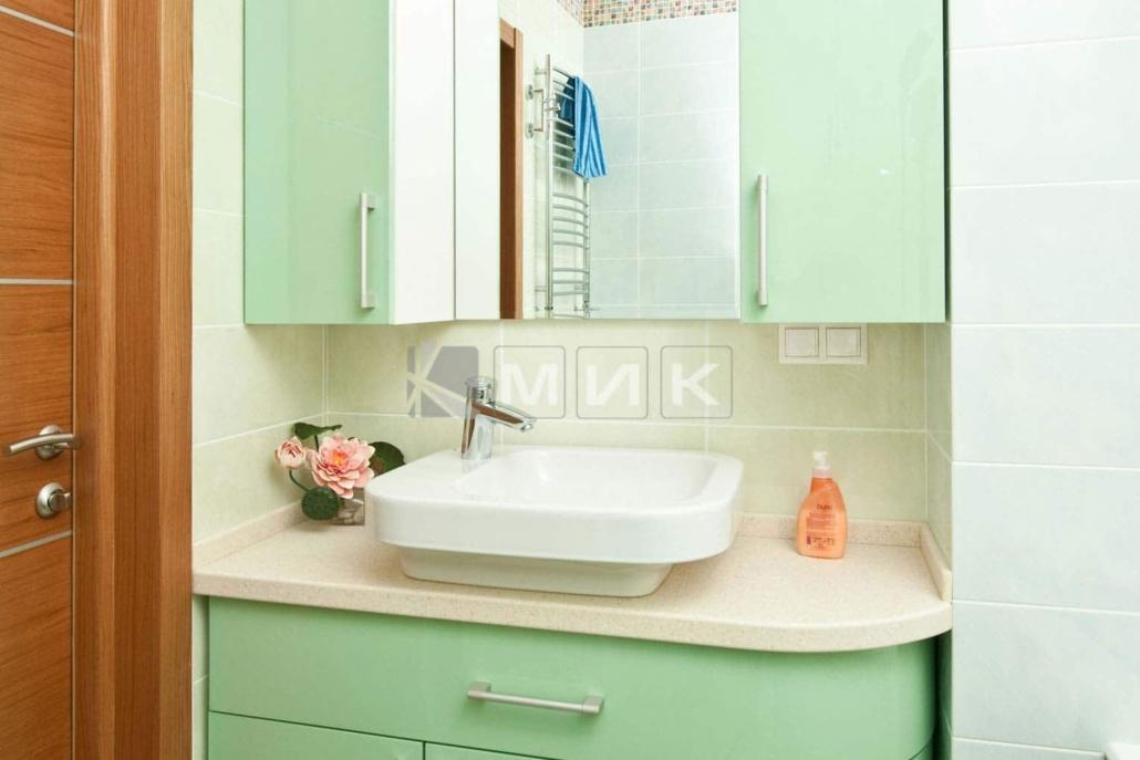 салатовая-мебель-в-ванную-30