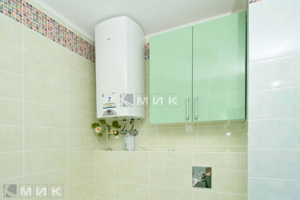 салатовая-мебель-в-ванную-33