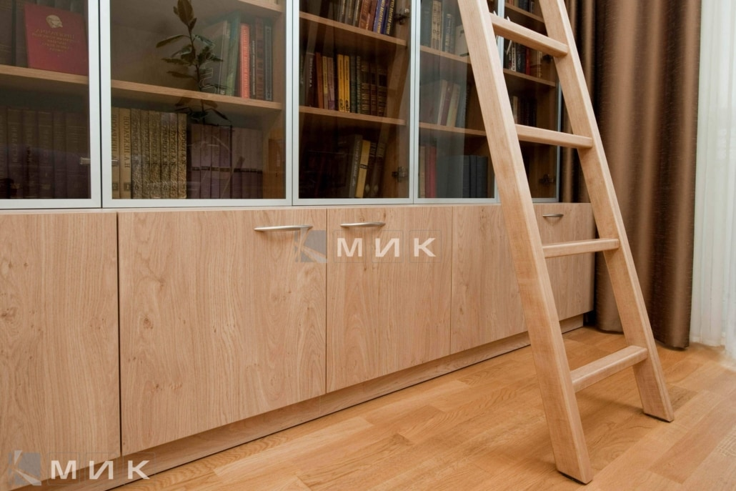 светлый-книжный-шкаф-106