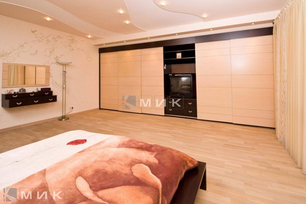 большой-шкаф-купе-в-гостиную-комнату-310