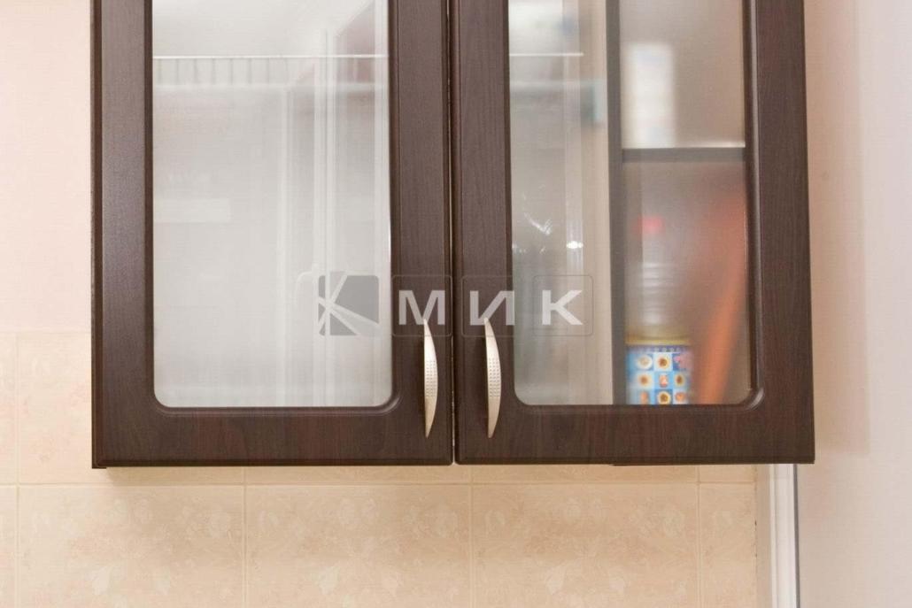 шкаф-навесной-на-балконе-109