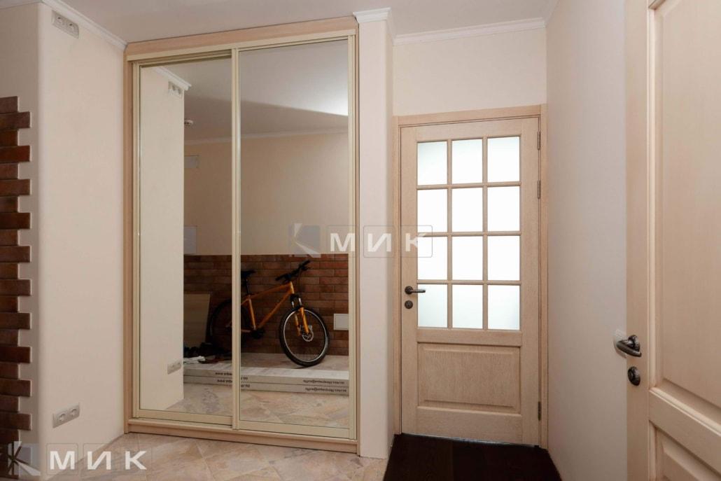 зеркальный-шкаф-купе-133