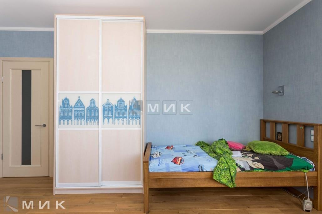 шкаф-купе-белый-в-детскую-138
