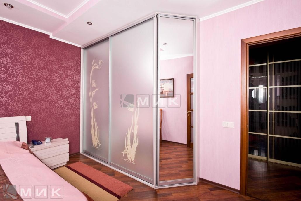 шкаф-купе-зеркальный-с-пескоструем-140