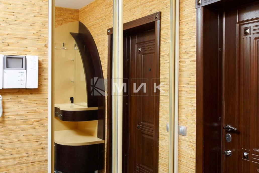зеркальный-встроенный-шкаф-купе-202