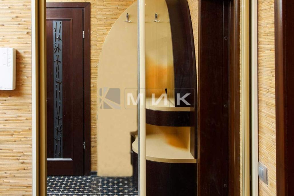 зеркальный-встроенный-шкаф-купе-203