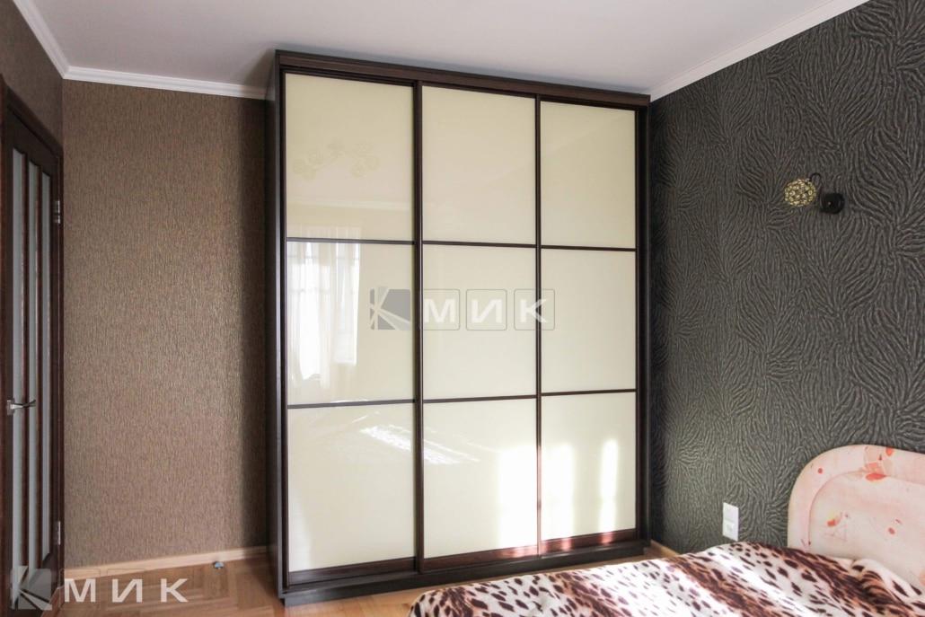 шкаф-купе-в стиле-модерн-в-спальню-241