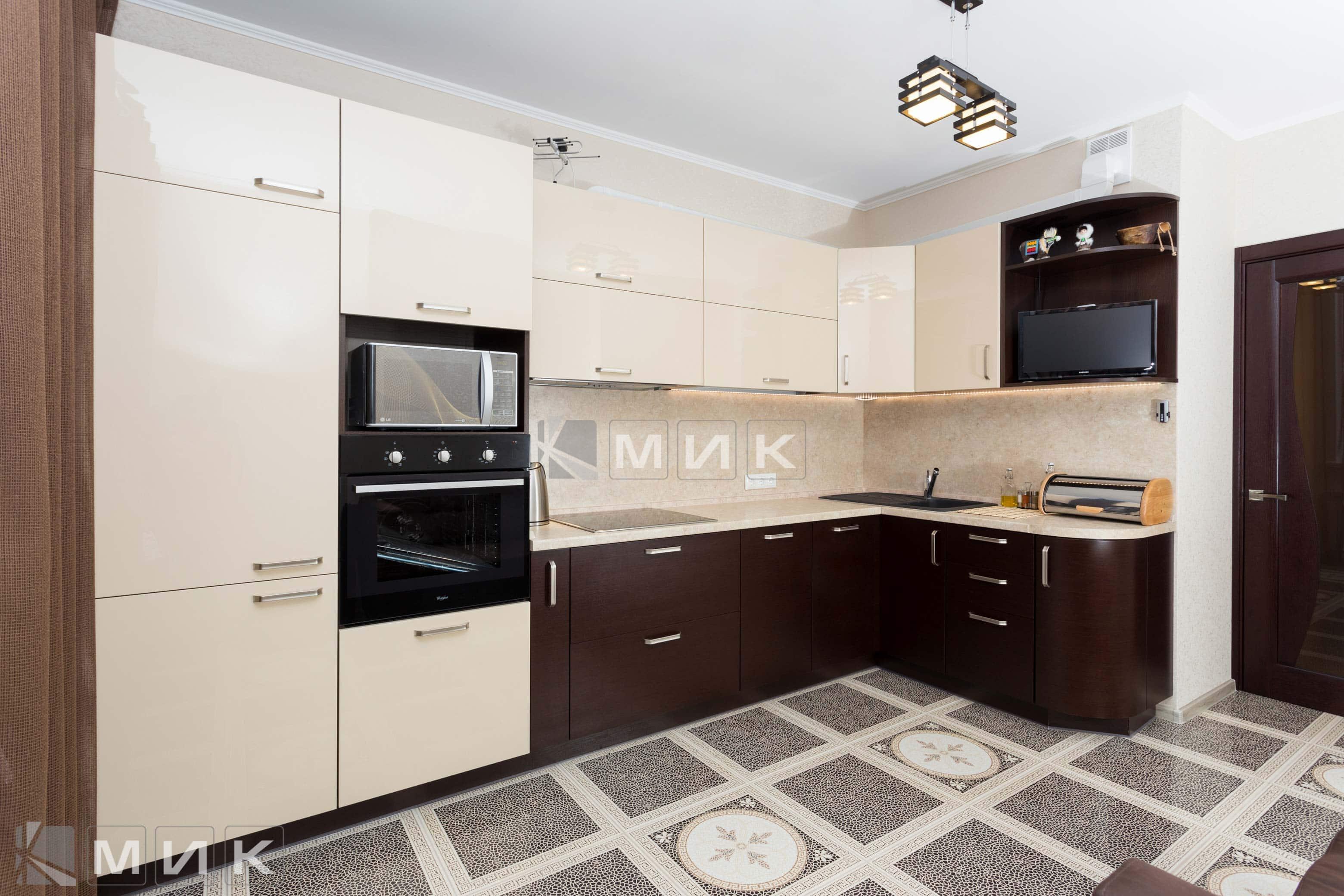 кухни фото угловые с телевизором