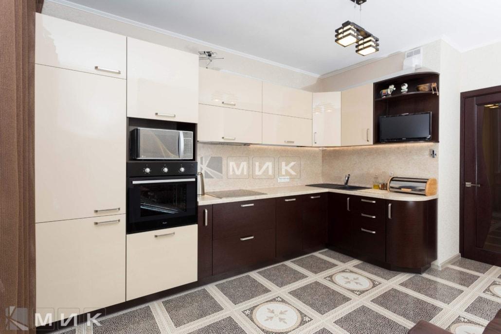 Кухня-угловая-с-телевизором-(пчелки-5)-1000