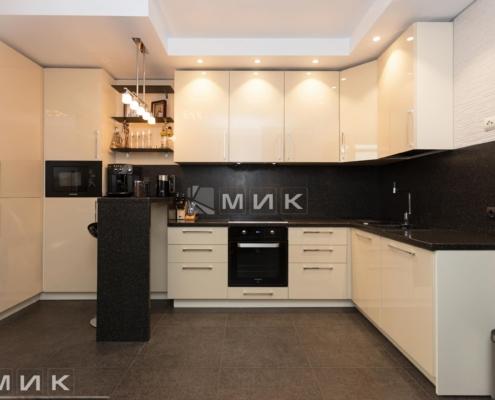 Кухня-с-барной-стойкой-(коломийский-17)-1003-2