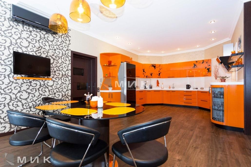 Оранжевая-кухня-пентагон-(Белогородка)-1001