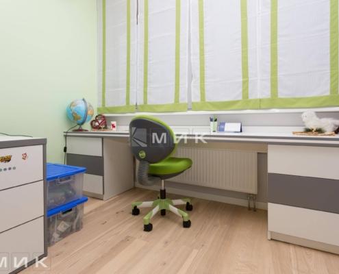 Детская-мебель стол под окно(Ломоносова)-1005