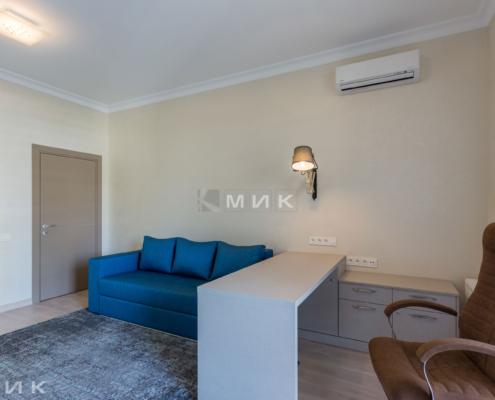 Домашний кабинет-стол-диван